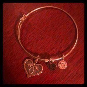 Antique rose gold heart bracelet